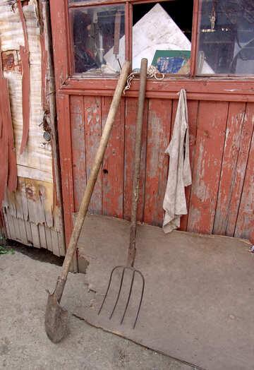 Pitchfork and shovel №5415