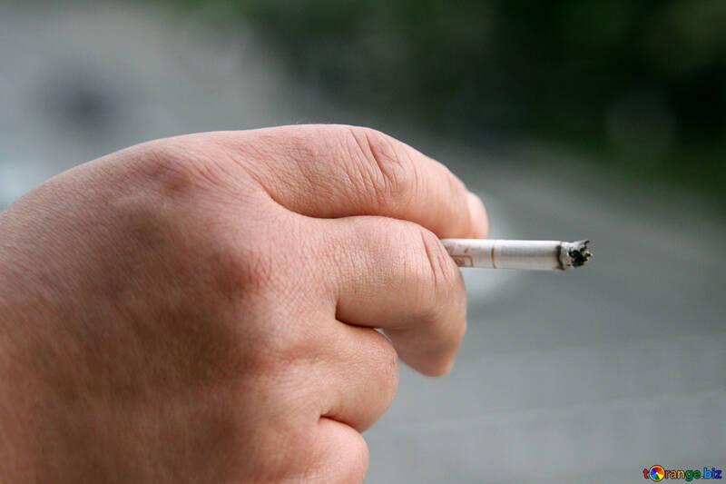 Zigarette in der Hand №5035