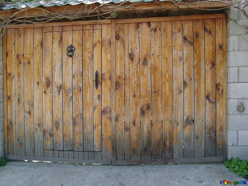 Wooden gates. №5334