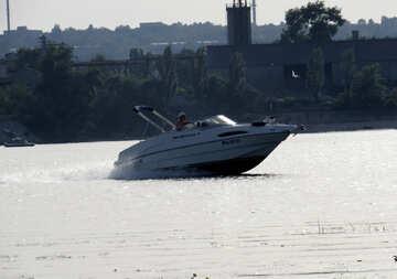 Nave Una barca Navigazione fluida №50745
