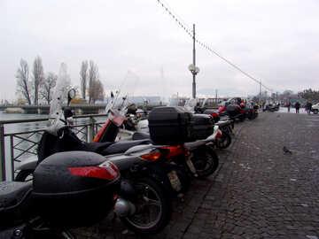 Parcheggio moto sul lungomare №50133