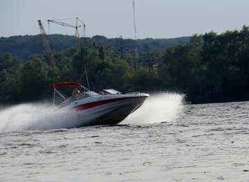 Schnellboot auf dem Wassermotorboot №50678