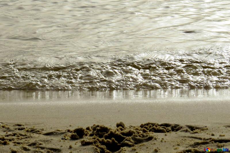 Onde Del Mare Spiaggia Mare Piccola Onda Far Cadere 50674