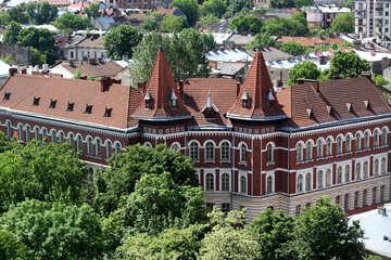 La costruzione del castello ospita la cappella №51755
