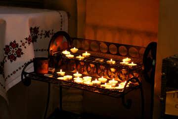 Kerzen in der Kirche №51609