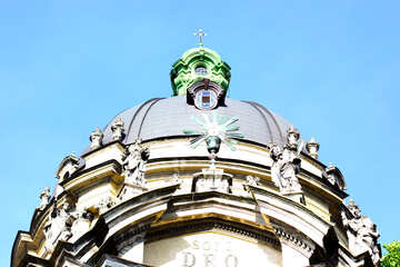 Cathedral dome with blue sky top of building №51636