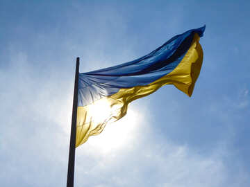 Eine Fahne Ukraine am Himmel №51268