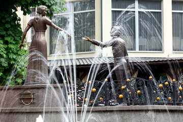 Handshake two statues and water fountain №51788