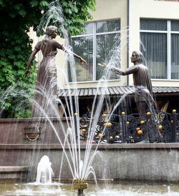 Brunnen zwei Statuenliebhaber №51787