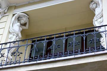 balcony with statues Veranda fence №51812