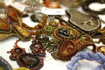 Molte spille tempestate di gioielli antichi, orecchini in pietra №52992