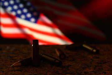 Una bandiera americana e proiettili №52496