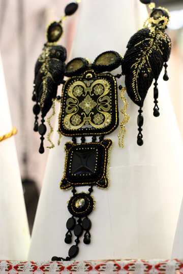 black and gold necklace №52858