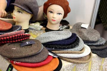 Hats, mannequin heads №52594