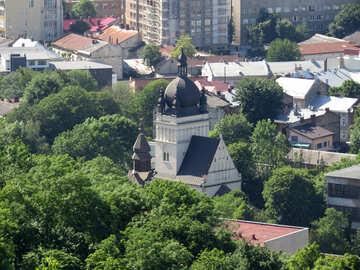 Una chiesa nel mezzo della foresta №52109