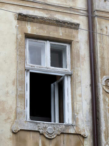 a open window with 1 piece of glass in it. №52240