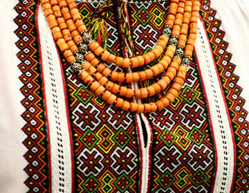 Shirt with necklace beads №52844