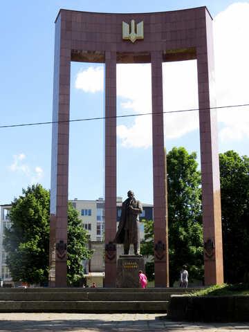 Stepan Bandera statue in a pillar window image №52210