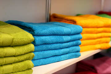 Neatly arranged towels №52622