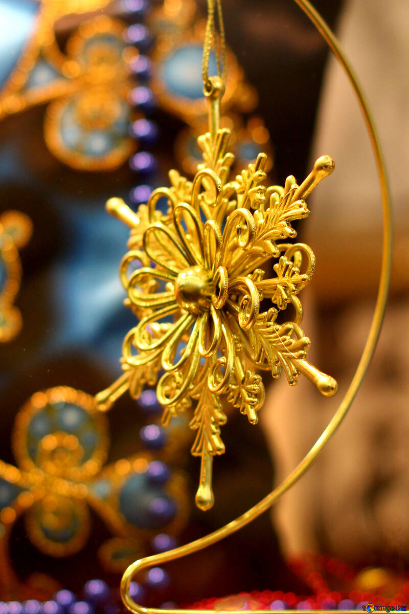 a golden snowflake Christmas ornament star №52790