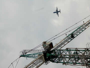An airplane and a scaffolding №53355