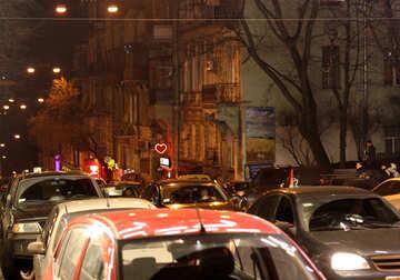 Cars in traffic night №53560