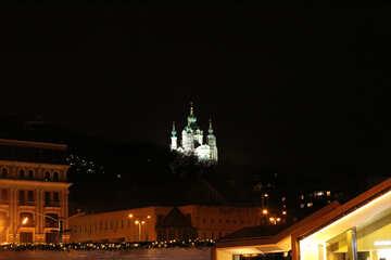 Costruzione bianca del castello della luce di notte della chiesa Fondo di notte №53620