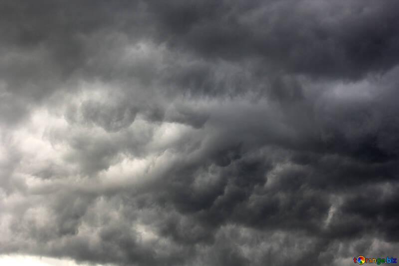 Sturm bewölkter dunkler Wolkenhimmel №53254