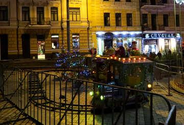 Покажите рождественские украшения на улице Поезд общественная площадь Карнавальный цирк №54095