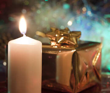 Candle  and  gift. №6668