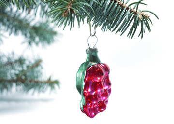 Soviet  Christmas  Toys . Reds  berries. №6842
