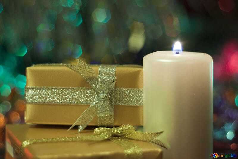 Candle  and  gifts. №6652