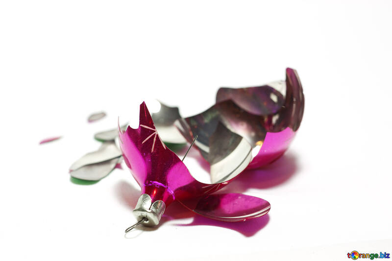 Broken  Christmas  Toy. №6852