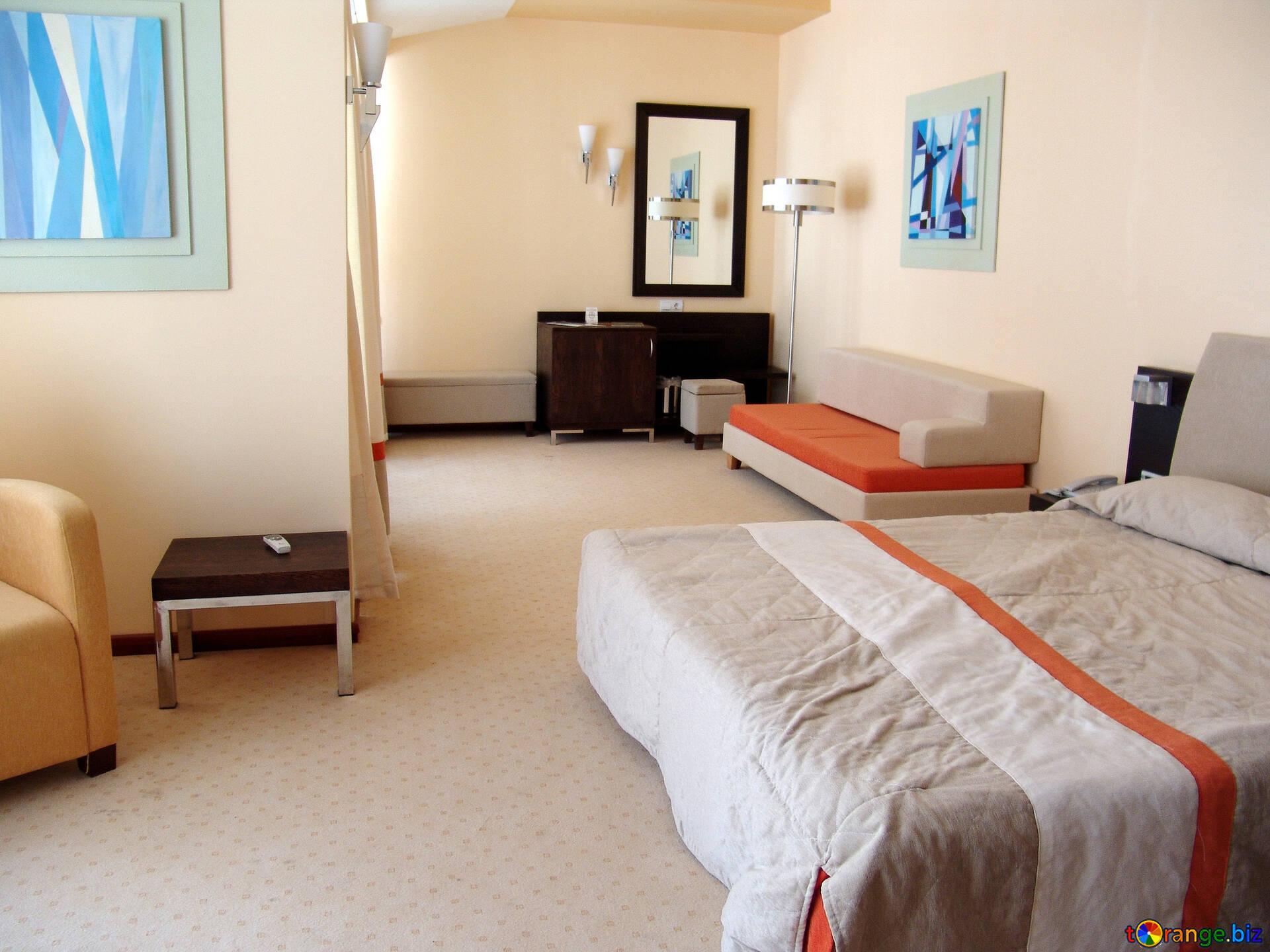Divani spazioso luce camera da letto. mobilia № 7888