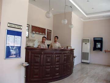 Receptionist №7057