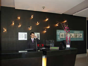 Receptionist №7090
