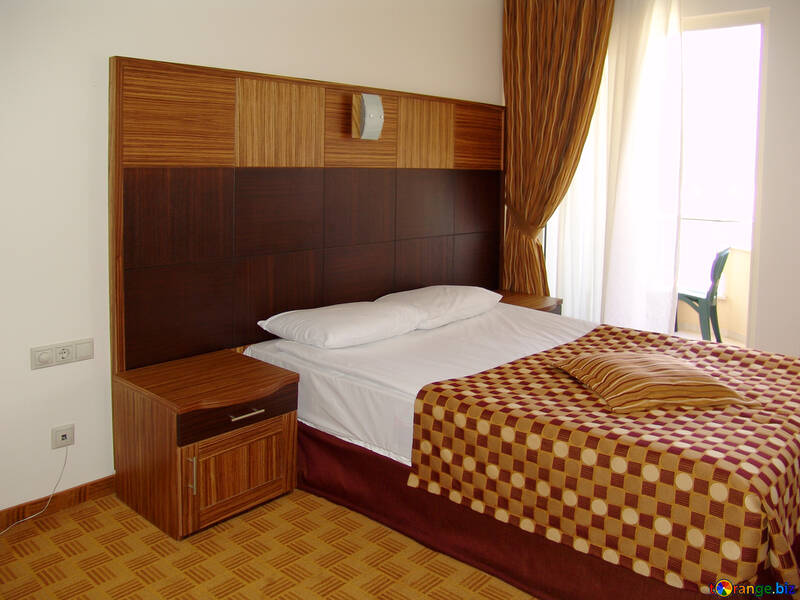 Beds  and  large  headboard  of the  of the tree. №7882
