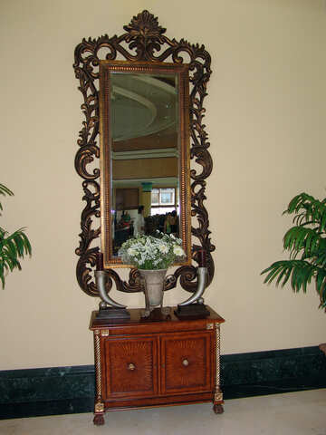 Antique mirror. №8319