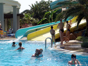 Water  slides  in  swimming pool. №8345
