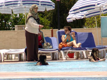Turkish  woman.  Child  Pool №8776