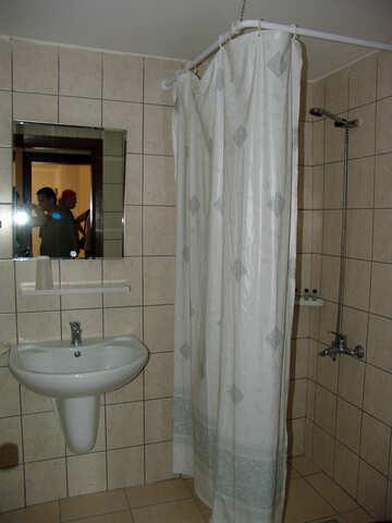 Shower  no  pallet №8402
