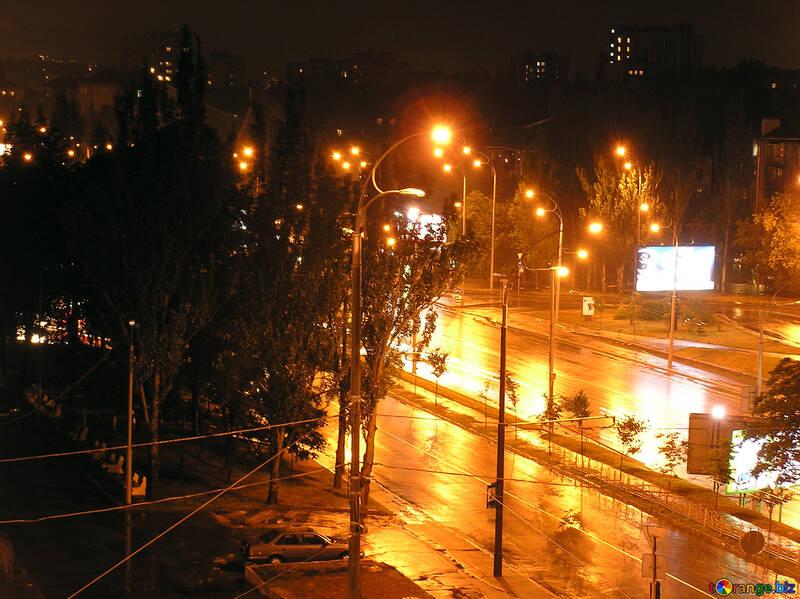 Green  city  night   rain №8059