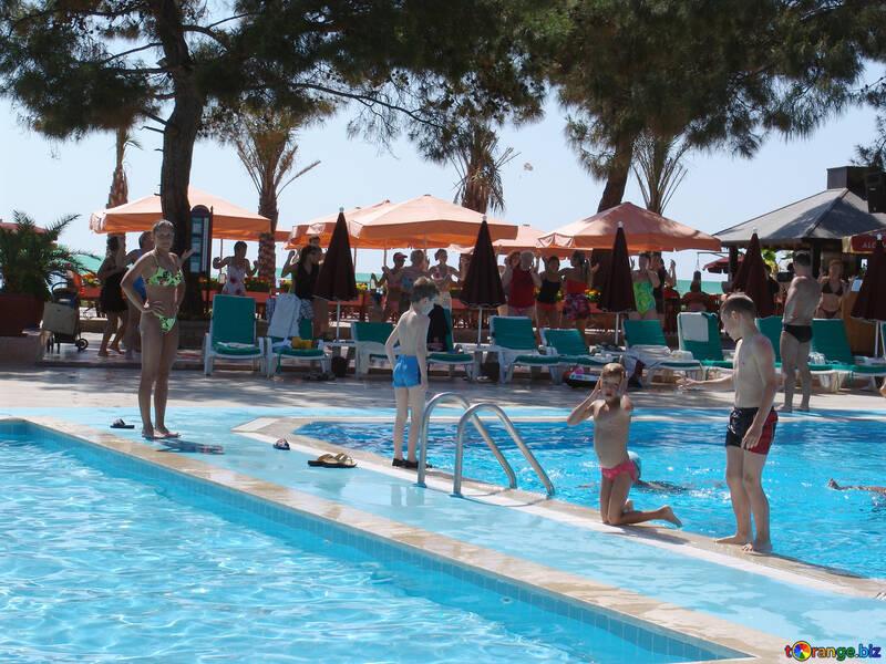 Kinder   Schwimmen Lache №8344