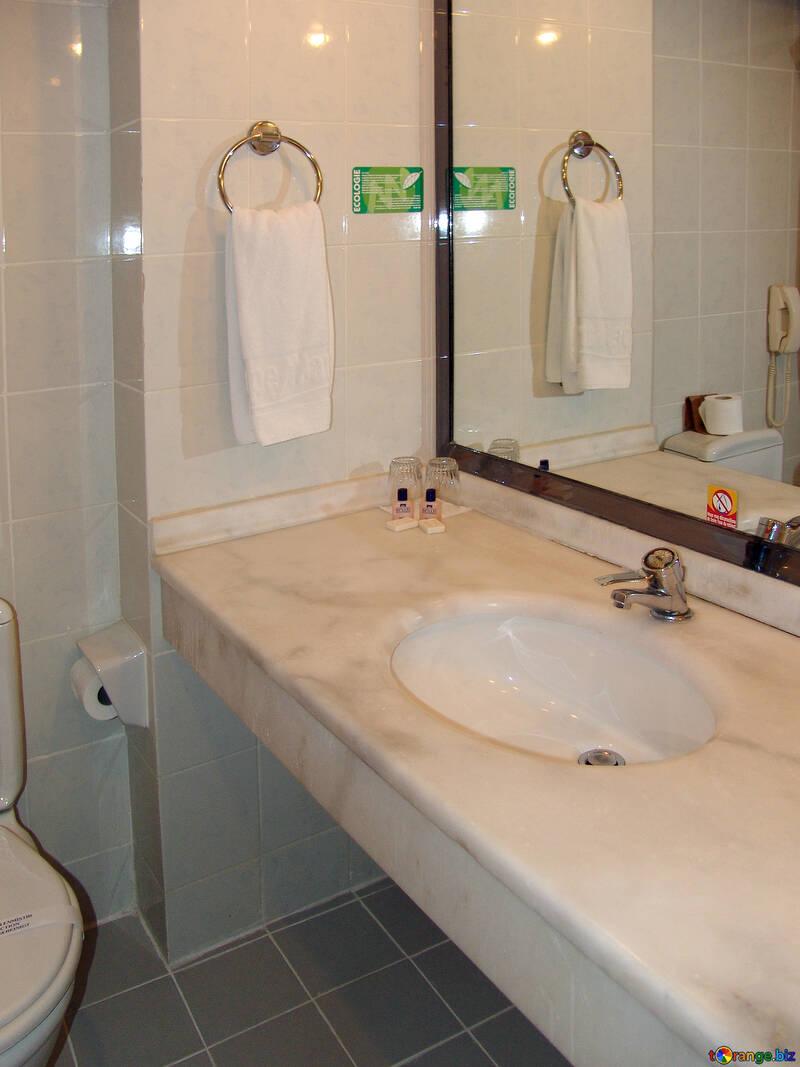 Towel  to  Hand   bathroom №8433