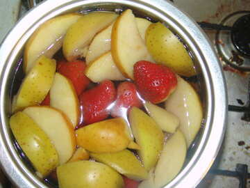 Compote  of the  apples  and  strawberries №9046