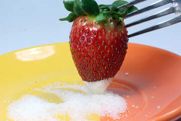 Strawberries  dunk  in  sugar №9128