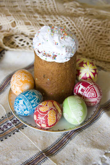 Easter  cake  and  painted  eggs №9671