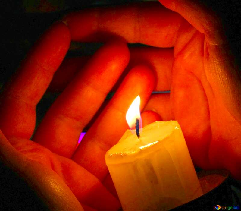 Image for profile picture Warm the hands off the candles. №18114