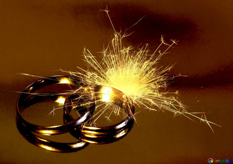 Engagement  wedding  gold rings spark fire №7143