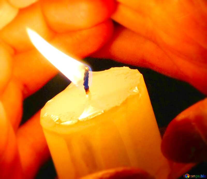 Image for profile picture Hands around the candles. №18098